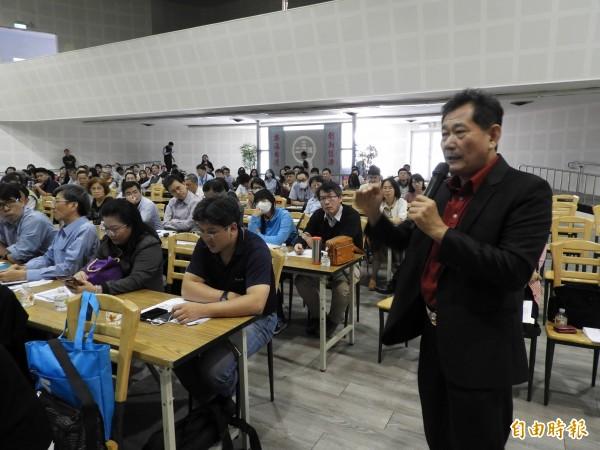 加銘鋼鐵董事長謝永福認為,產業界在台灣購地或租地,都是一筆龐大經費。(記者葛祐豪攝)