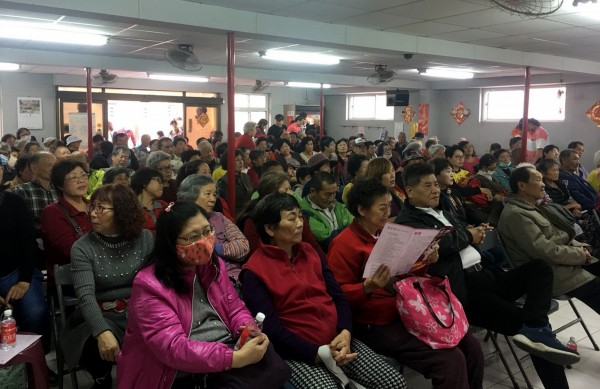 葉宜津今在北區大山里九六社區活動中心舉辦參選市長說明會,現場座無虛席。(記者蔡文居翻攝)