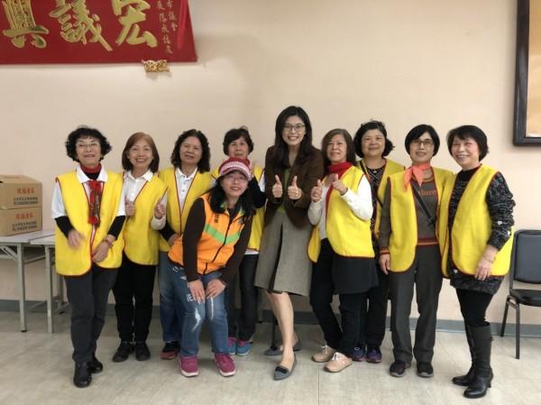 鄭麗文今赴台北市議會,參加救國團活動。(圖鄭麗文競選團隊提供)
