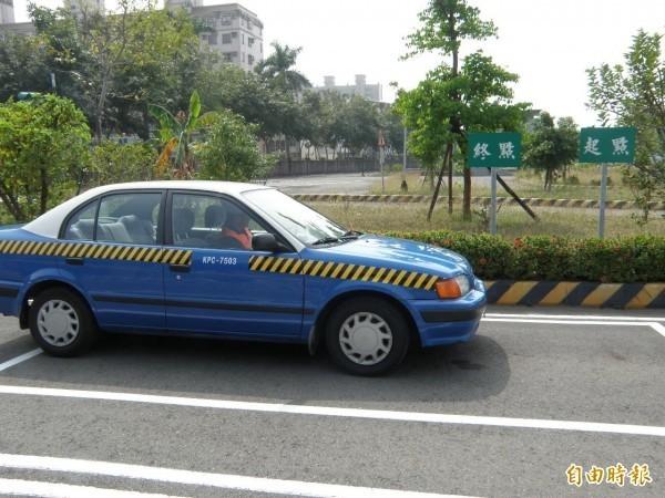 中國汽車駕照路考,以科目一、二、三、四進行,若其中一科未過,就不及格,必須重考。圖為示意圖。(資料照,記者王榮祥攝)