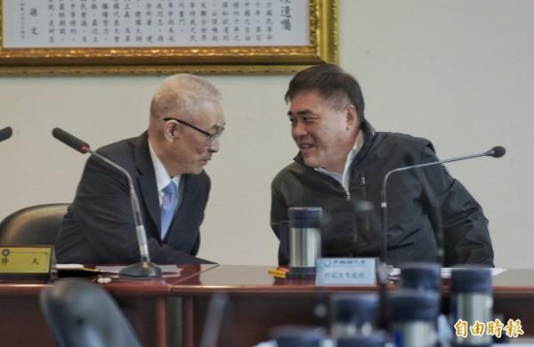國民黨副主席郝龍斌(右)日前表示,保守估計至少還有3人會參選。(資料照)