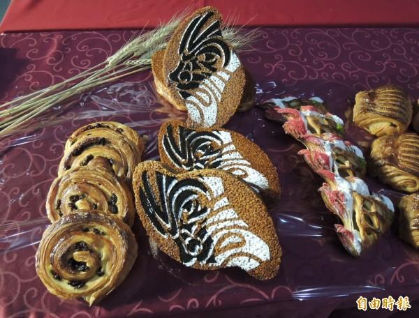 陳有鋕以「台灣臉譜」(中)麵包創作,有代表台灣及官將首的圖騰,奪下世界麵包大賽亞軍殊榮。(資料照,記者張勳騰攝)