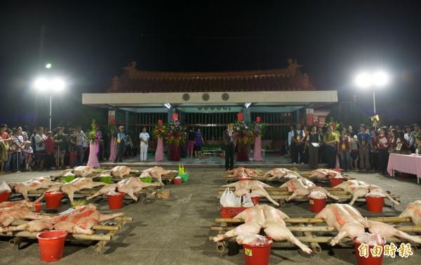 東山吉貝耍部落公廨舉行西拉雅夜祭。(記者楊金城攝)