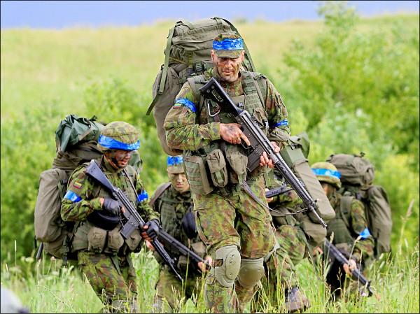 東歐國家立陶宛因擔憂俄國入侵、成為下個烏克蘭,二○一五年再度展開徵兵。(路透檔案照)