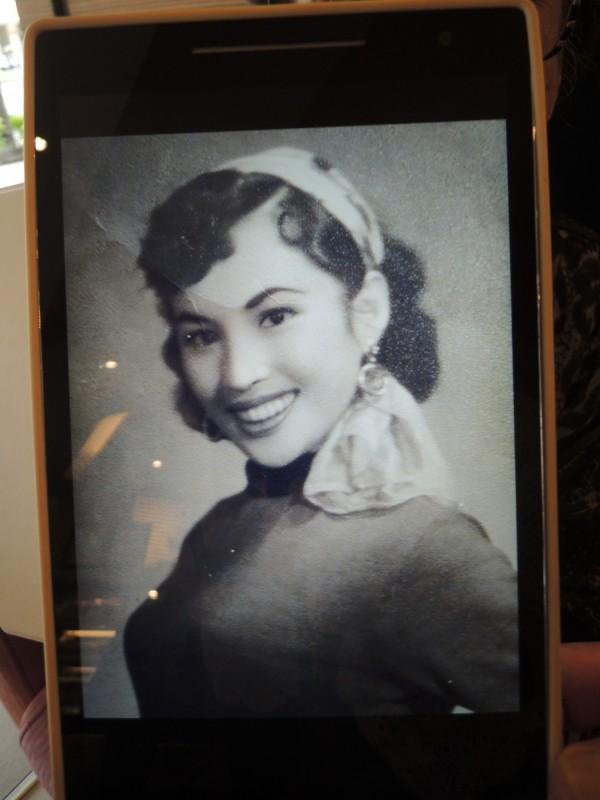 戴玉妹在年輕時教過許多知名的演藝人員,她的一生都在幕後指導,散播台灣歌舞文化的種子,不求名利。(戴玉妹提供,記者廖雪茹翻攝)
