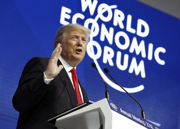 美媒認為,川普(見圖)的美國優先政策,把美國原本在亞洲地位拱手讓給中國。(美聯社)