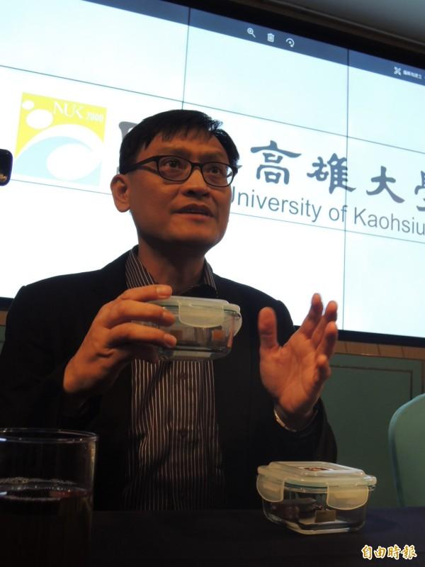 化材系教授鍾宜璋創非接觸式感測,不會有 2次污染疑慮。(記者蔡清華攝)