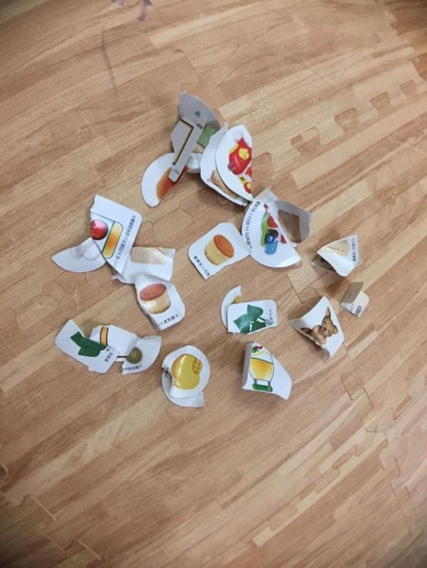 宥勝在臉書分享撕爛玩具的摧毀教育惹議。(翻攝自臉書)