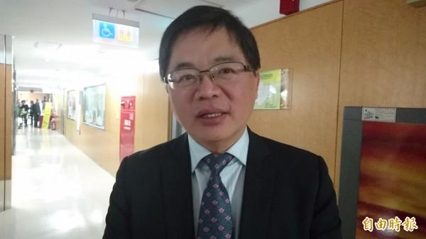 南市代理市長李孟諺說明0206台南地震善款運用情形。(記者洪瑞琴攝)