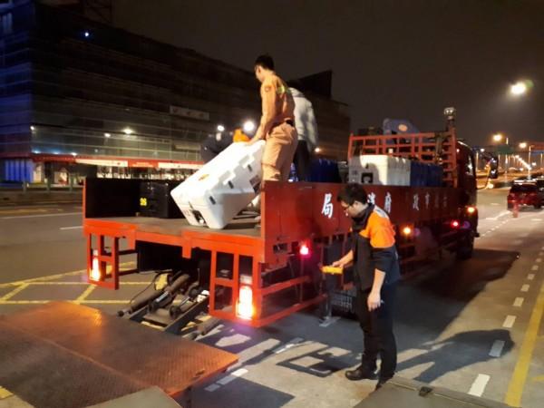 台北市消防局各單位已經緊急動員人員及器材,準備前往災區救災。(民權分隊提供)