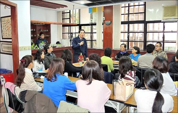 林故廷出席汐止國小志工成長活動營宣導反毒。(資料照)