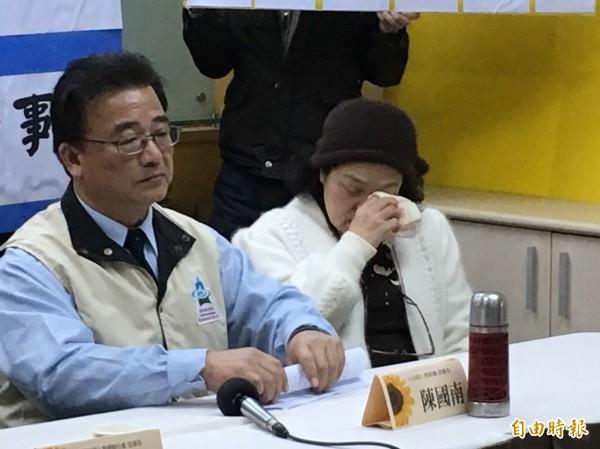 雲林大成商工弊案連連,3年少3千名學生 。教師哭:「教育部在那裡?」(記者林曉雲攝)