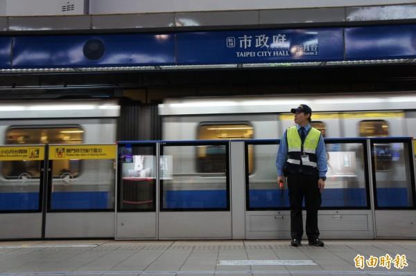 台北捷運徵才開跑,今年預計招聘229名員工。(記者黃建豪攝)