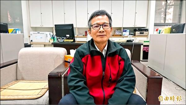 高普考怪傑賴世昌現任職於屏東縣議會專員(記者葉永騫攝)