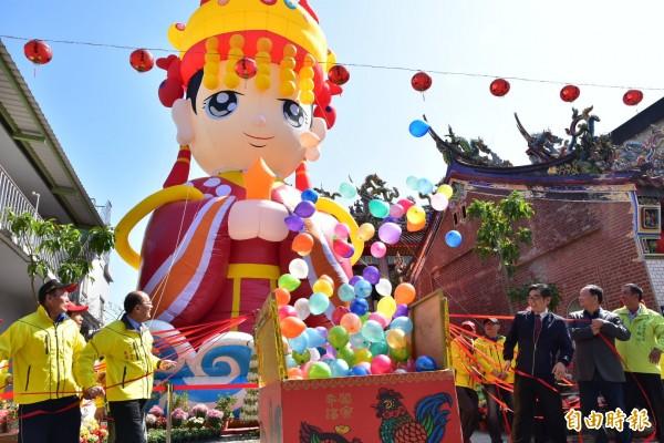 「走尪」 活動將在3月2日登場,廟方今打造15公尺高的Q版媽祖像。(記者張議晨攝)