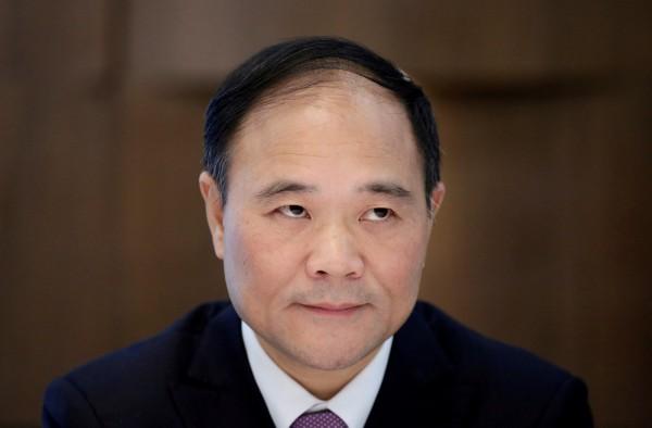 中國吉利汽車創辦人李書福近日取得賓士(Benz)母公司戴姆勒(Daimler)汽車大約9.7%股權,成為最大股東。(路透)