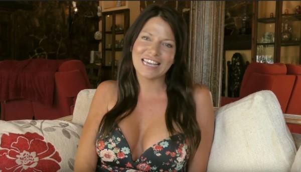 從事性治療師的維爾黛,已和80名人夫上床過。(圖擷取自youtube)