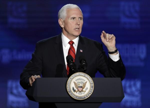 美國副總統彭斯(Mike Pence)近日聲稱,女性的合法墮胎權可能將終結。(美聯社)