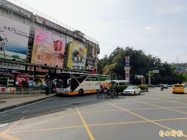 台灣好行日月潭線客運將停靠中台禪寺,每逢例假日往返各2班。(記者劉濱銓攝)