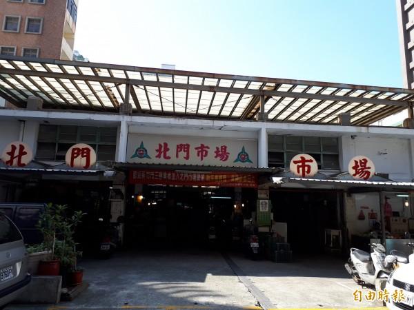 新竹市公有建築仍有14棟待補強,但其中北門市場因與攤商達到共識,將拆除重建,目前仍有攤商營業。(記者洪美秀攝)