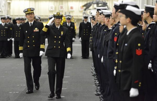 日本一等海佐東良子今被日本海上自衛隊任命為第一護衛隊司令,這也是日本海上自衛隊首度任命女性軍官,出任海上自衛隊的護衛隊司令。(路透)