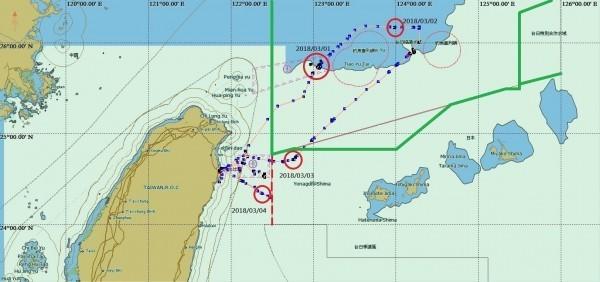 「東半球28號」航跡圖,綠線內為台日漁業協議海域。(漁業署提供)