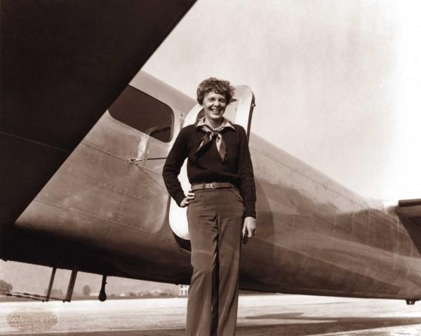 傳奇女飛行員艾爾哈特(Amelia Earhart)1937年環球飛行時失蹤,從此人間消失。(法新社)