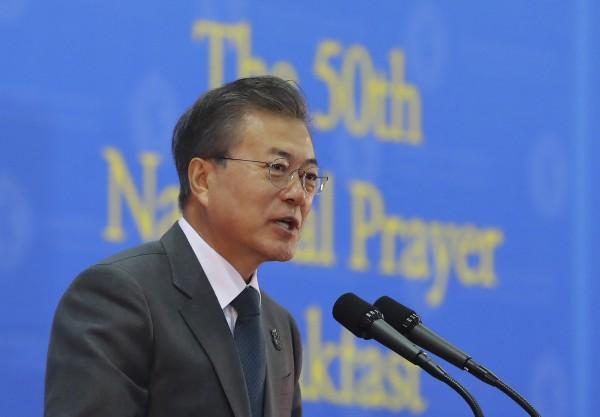 南韓總統文在寅表示,與北韓協商必須「像輕拿輕放玻璃器皿一樣」謹慎。(美聯社)
