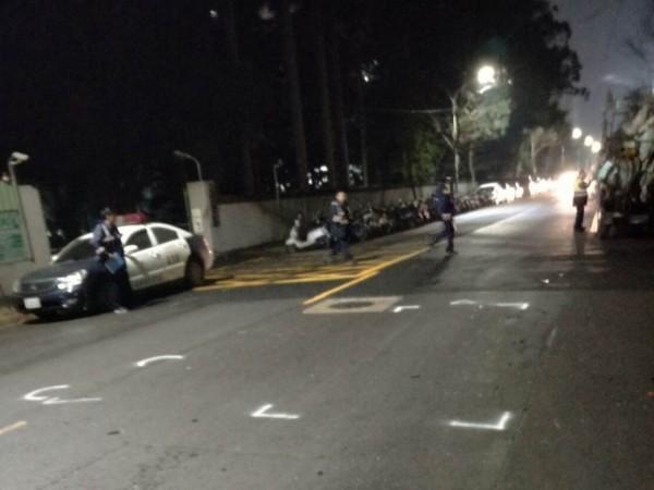 新北市新莊區三泰路車禍現場。(記者王宣晴翻攝)
