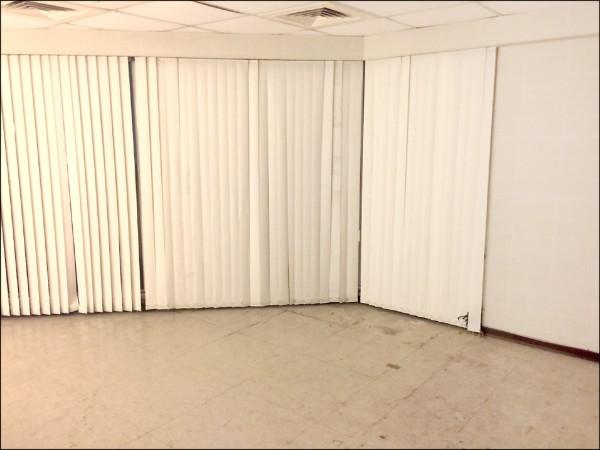 黨產會委員透露,辜家去年自婦聯會搬走一百七十箱資料並存放在台泥倉庫,之後又派員工用碎紙機將資料銷毀,圖為當時存放資料的房間。(記者陳鈺馥翻攝)