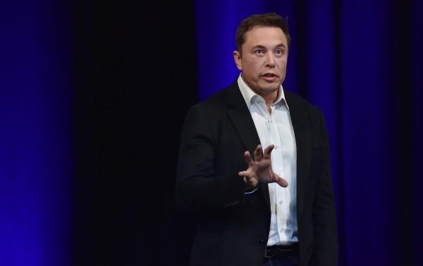 太空探索技術公司「SpaceX」昨日透露,他們正在製造第1架可飛往火星的星際飛船,預計明年可以進行試飛。圖為「SpaceX」的創辦人穆斯克。(資料照,法新社)