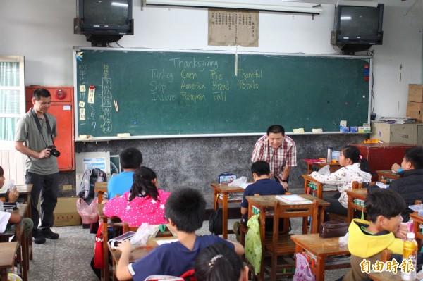 最近台灣出現要將英語列為第二官方語言的聲浪,學者認為這是一種英語崇拜的模式。(資料照)