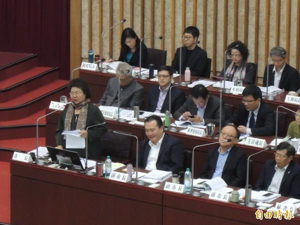 藍營議員建議陳菊輔選或許應包括他黨與國民黨,陳菊回覆國民黨非常強。(記者王榮祥攝)