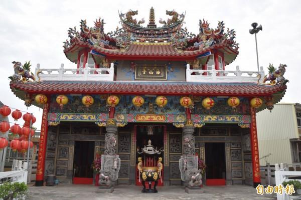 海山宮是高雄湖內海埔地區的角頭廟。(記者蘇福男攝)