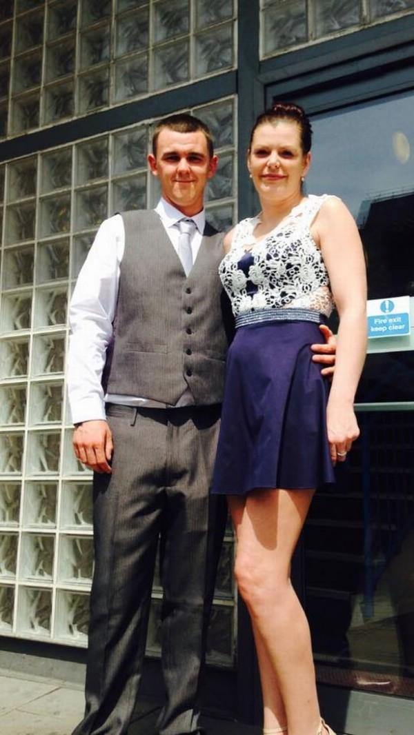 哈欽森與他的伴侶康奈爾(Connell)。(圖擷自《Birmingham Live》)