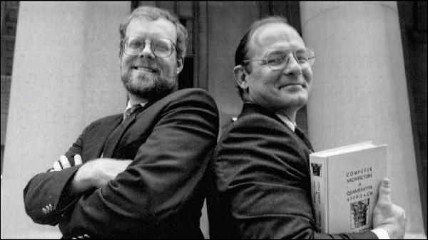前史丹佛大學校長軒尼詩(左)、美國加州大學柏克萊分校退休教授帕特森(右)獲頒2017年圖靈獎。(取自網路)