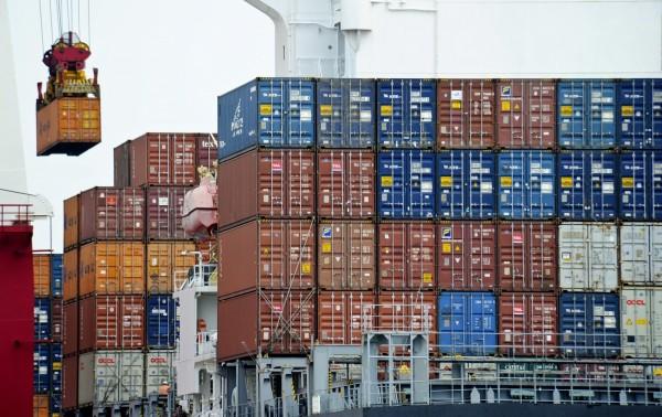 美中貿易戰升溫!中國商務部今宣布,即日起,對原產於美國、歐盟、南韓、日本和泰國的進口苯酚進行反傾銷立案調查。(美聯社)
