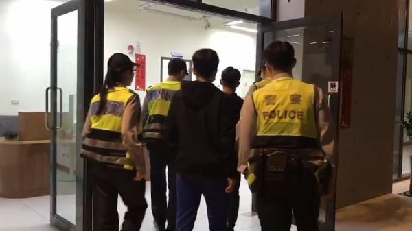 台東市知名連鎖KTV傳打群架事件,警方循線緝逮6嫌。(記者陳賢義翻攝)
