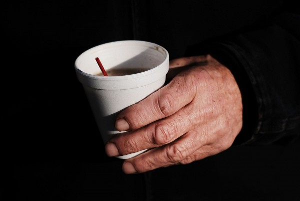 美國詹姆斯麥迪遜大學1項最新研究發現,約只有50%的人能快速代謝咖啡因,10%的人會因咖啡因拖慢身體效能。(法新社)