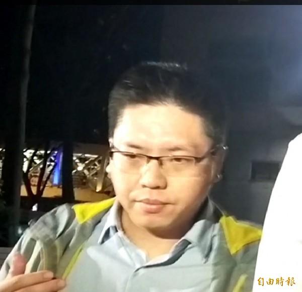 台灣宅經濟商務股份有限公司負責人許哲毓訊後以8萬元交保。(記者陳慰慈攝)