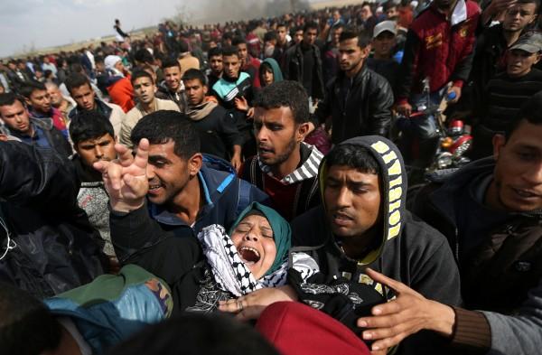 巴勒斯坦人與以色列的安全部隊在加薩走廊一帶發生衝突,並陸續傳出有巴人遭開槍射殺。(路透)