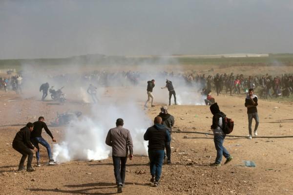 哈瑪斯集團衛生部表示,以色列軍方與現場的巴勒斯坦民眾發生衝突,目前傳出已有至少7人遭殺害,且有大約500人受傷。(法新社)