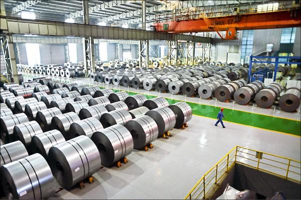 美國對進口鋁加徵10%關稅,劍指全球鋼鋁產能最大且嚴重過剩的中國。  (法新社)