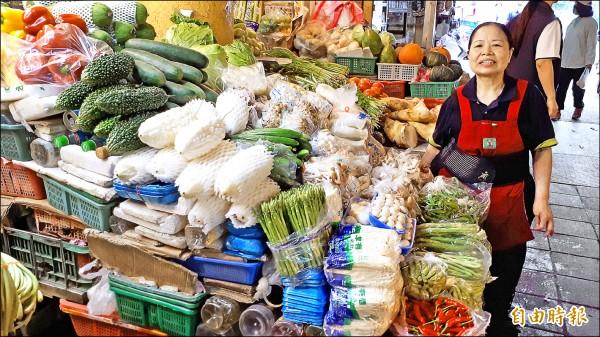 陳樹菊賣菜行善。(資料照,記者黃明堂攝)