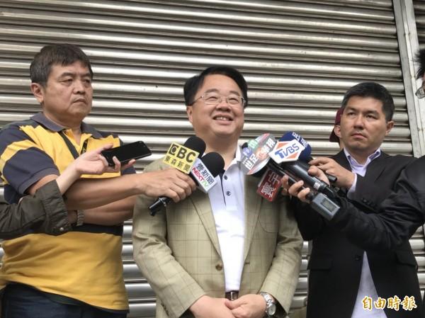 有意角逐新北市長民進黨立委吳秉叡表示,侯友宜出線並不意外。(記者葉冠妤攝)
