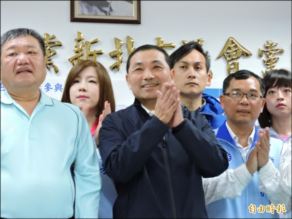 據了解,侯友宜以55%支持度大勝第二名周錫瑋的34%,領先達21個百分點。(記者賴筱桐攝)
