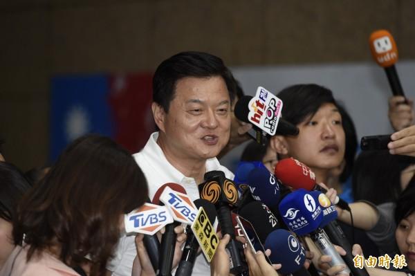 國民黨6日公布新北市長初選結果,圖為周錫瑋。(資料照)