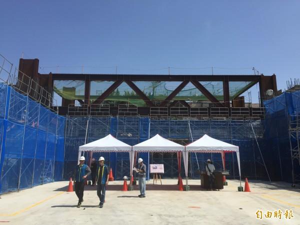 中山國小校舍改建,第一期工程預計明年七月完工。(記者邱書昱攝)