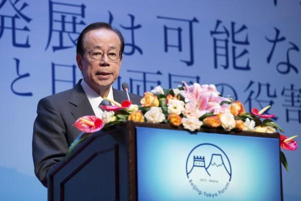 日本前首相福田康夫在擔任博鰲論壇理事長的最後一天,撰文指出中國應記取日本在貿易戰的教訓,不要重蹈覆轍;美國急於採貿易保護政策的同時,也應反省本國的生產模式。(資料照,路透)