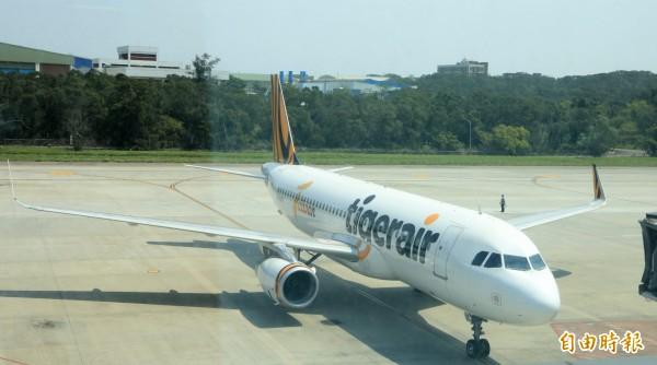 廉價航空盛行,帶動國人旅遊。圖為台灣虎航。(資料照)